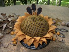 Primitive Hand Dyed Wool Sunflower Make-Do Pincushion~Folk Art Pinkeep USAPRIM
