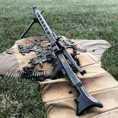 Full auto machine gun MG 42 #hankstrange