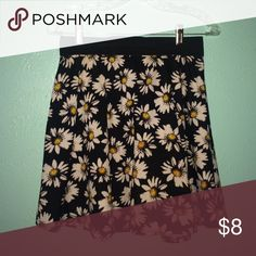 Flower skirt This is a very cute and comfy flower skirt. Super cute with a white blouse, or anything you want! Only worn a few times! Skirts Circle & Skater