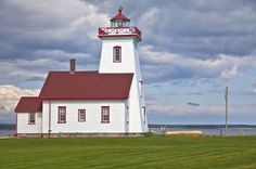 5-Day Prince Edward Island Trip from Halifax Including Green Gables Heritage Place The red cliffs, white beaches and lush green fields of Prince Edward Island await! Departing from Halifax, admire the alluring coastal scenery of Canada's smallest province as you tour Charlottetown, the island's capital city, with your guide. Over the course of five days, learn about indigenous culture at the Glooscap Heritage Centre and Mi'kmaq Museum, enjoy a lobster dinner with your travel c...