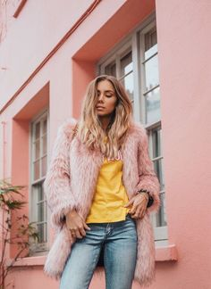 Photos via: Lisa Olsson Lisa Olsson is constantly pushing the envelope and always surprising her readers with inspiring and unique looks we can all appreciate. She wore a blush toned faux fur coat, ye