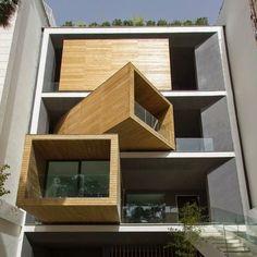 El estudio de arquitectura con sede en Teherán Next Office diseñó y construyó una casa que cuenta con habitaciones que pueden girar noventa grados con tan solo tocar un botón, dependiendo del esta...