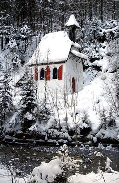 Winter cottage - love the red shutters in the snow - Berchtesgarden, Germany (by Nina Chan)