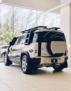 New Land Rover Defender, New Defender, Land Rover Discovery Hse, Range Rover Off Road, Chevy, Luxury Van, Land Rover Models, Sport Suv, Vw Amarok