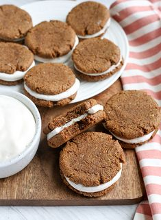 These Paleo Oatmeal Cream Pies contain no oatmeal, but still have the same taste and texture. A soft, sweet cookie with a marshmallow filling. Gluten free, dairy free, and naturally sweetened. Paleo Cookie Recipe, Healthy Cookie Recipes, Paleo Treats, Dairy Free Recipes, Real Food Recipes, Gluten Free, Paleo Recipes, Cookbook Recipes, Delicious Recipes