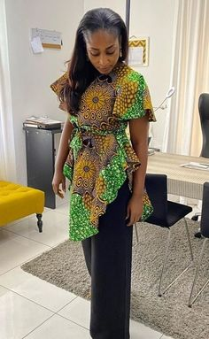 African Print Fashion, Fashion Prints, African Tops, Sewing Tutorials, Ankara, Dress Skirt, Skirts, Clothes, Collection