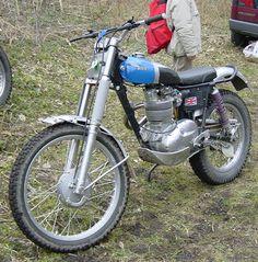 Moto de trial BSA 350 trial (tres belle), moteur monocylindre quatre temps, cadre simple berceau, freins à tambours simple came, jantes en aluminium, Birmingham, Angleterre, Europe.