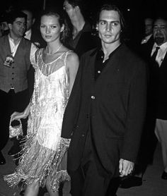 Le Fashion: 29 of Kate Moss and Johnny Depp's Most Stylish Moments Johnny Depp Age, Johny Depp, 90s Fashion, Fashion News, Flapper Fashion, London Fashion, Vintage Flapper Dress, Kate Moss Style, 1990s