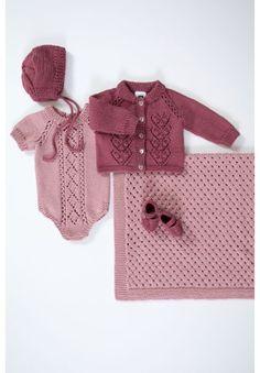 Minsten Babyteppe i Rose, kjøp den som strikkepakke hos HoY. Knitting For Kids, Baby Knitting, Crochet Baby Clothes, Knitting Stitches, Baby Wearing, Knit Crochet, Cross Stitch, My Style, Children
