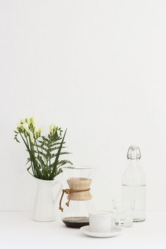 We asked an award-winning barista to spill the beans on the best pour-over coffee makers and setups. Making cafe-quality coffee at home just got easier Chemex Coffee Maker, Coffee Jars, Best Coffee Maker, Drink Coffee, Coffee Photography, Food Photography Styling, Food Styling, Coffee And Books, Coffee Love