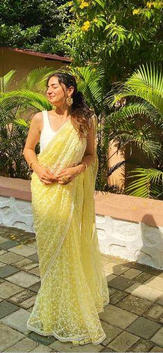 Desi Wear, Saree Blouse Designs, Dress Fashion, Indian Actresses, Indian Fashion, Sarees, Designers, Blouses, Formal Dresses