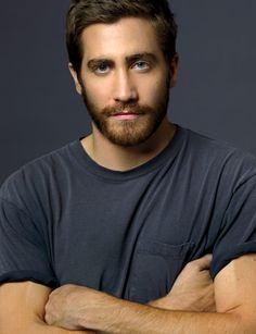 jake gyllenhall with a beard----oh yah