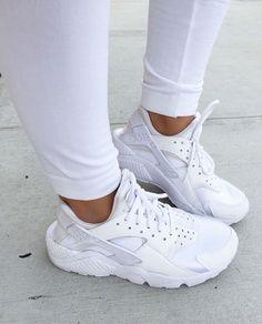 IG : cierarogers .. White Nike Huarache