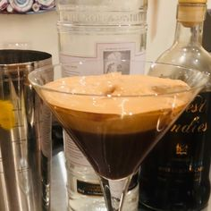 Obsessed with the whipped coffee trend? Here's how to make the latest boozy iteration: the dalgona martini. Coffee Martini Recipe, Martini Recipes, Drinks Alcohol Recipes, Alcoholic Drinks, Christmas Martini, Popsugar Food, Baileys Irish Cream, Just Desserts, Delish