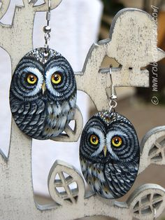 Pair of Great Grey Owl Earrings! Wonderful Unique Hand Painted Owl Earrings by Roberto Rizzo | Painted with acrylics, signed on the back and protect with a satin final varnish coat. They're extremely strong but also very light and comfortable | FREE SHIPPING WORLDWIDE!