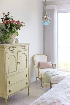Inspiring Homes On Pinterest Shabby Shabby Chic And French Country