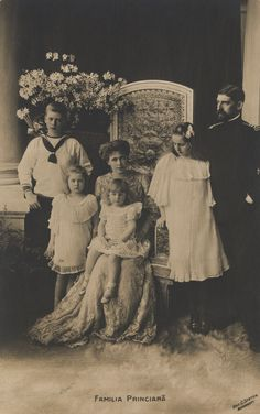 Romanian Royal Family , King Ferdinand and Queen MArie -