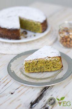 Torta di Nocciole Vegan - lacucinavegetariana.it La torta di nocciole vegan che abbiamo preparato per voi abbina un impasto soffice e profumato alla granella croc...