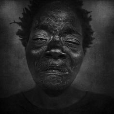 Photographer Lee Jeffries' life changed after a chance encounter with a young homeless girl on a London street. Lee Jeffries, White Photography, Portrait Photography, African Life, Homeless People, Black And White Portraits, People Around The World, Graphic Design Inspiration, Family Portraits
