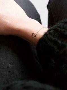 tatouage poignet bracelet - Recherche Google