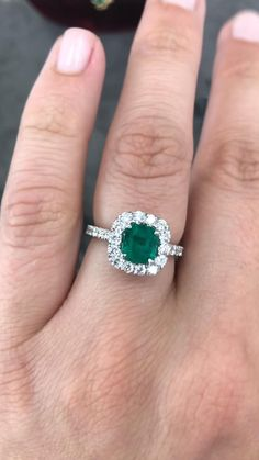 Emerald Ring White Gold, Emerald Ring Design, Green Diamond Rings, Emerald Cut Rings, Emerald Jewelry, Emerald Cut Diamonds, Diamond Gemstone, Natural Emerald Rings, Green Rings