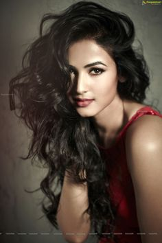 Sonal Chauhan Latest Hot & Sexy Photoshoot Pics...