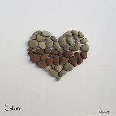 Calon das walisische Wort für Herz- oder Liebe - sofort heute lieferbar.  Sie erhalten die Arbeit oben fotografiert.   Ich gerne mit natürlichen Materialien arbeiten, Schritte zur ordentlichen und verworfen.   Das Stück wird in ein weiß oder schwarz 23 cm (9) x 23 cm (9) Rahmen präsentiert.