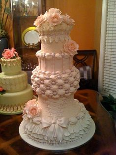 Wow. magnificent pink wedding cake!!!