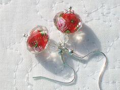 Fait main - Boucles d'oreille perle de verre lampwork style Murano rouge et toupie transparente http://cathycreations.alittlemarket.com/