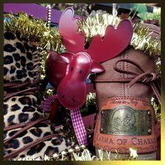 Ymiz meets Rudolph! Perfect match #karmaofcharme #ymiz #carlalafashion @Carlalafashion @karmaofficial @karmaboots