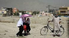 Un matrimonio paquistaní mata a su hija por mirar a un chico – RT