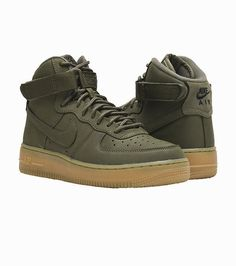 e0b59fdaf08a NIKE Air Force 1 High Kid s high top sneaker Lace closure Nike swoosh  branding Padded tongue Ankle s.