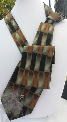 Upcycled OOAK Damen Krawatte Vintage Halskette von TheSnippySisters
