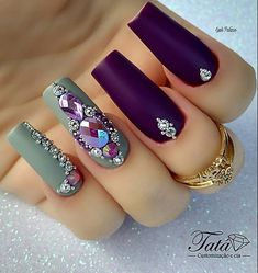 Top 7 pretty nails colors you should try in 2019 60 Swarovski Nails, Crystal Nails, Rhinestone Nails, Bling Nails, Swag Nails, Diamond Nail Designs, Diamond Nails, Gorgeous Nails, Pretty Nails