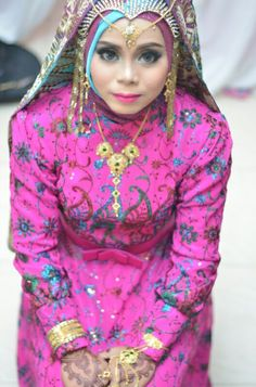 Baju akad by me..  Konsep india ... Assecories cleopatra design dan india set