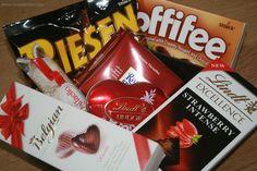 Sevgilinize minik bir hediye ♥  Sevgiliye Çikolata Mini Paketiyle; 6 farklı marka 7 çeşit çikolata kargo dahil 55 tl  www.cikolatalimani.com