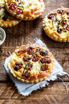 We are quiche crazy in this household... Slow-roasted tomato and goat's cheese quiche? yes, please.