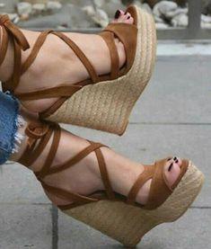 Gladiator Sandals Heels, Shoes Heels Wedges, Wedge Heels, Wedge Sandals Outfit, Sandal Wedges, Platform Wedge Sandals, Peep Toe Heels, Womens Shoes Wedges, Pretty Shoes