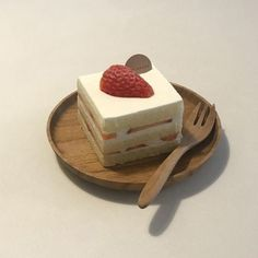 cake dessert desserts sweet snack cookie french soft aesthetic pastel cream tasty chocolate milk food foodie creamy sweetness muffin cakes tiramisu r o s i e Cute Desserts, Dessert Recipes, Vanilla Desserts, Good Food, Yummy Food, Tasty, Cafe Food, Aesthetic Food, Korean Aesthetic