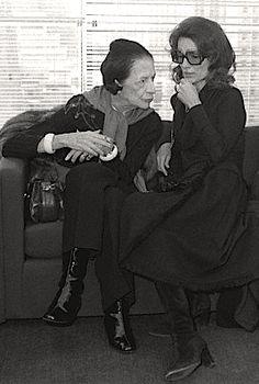 Diana Vreeland & Lee Radziwill at Halston Couture Spring 1978 #leeradziwill #dianavreeland #halston