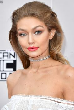 Gigi Hadid #refinery29 http://www.refinery29.com/2016/11/130552/amas-red-carpet-hair-makeup-photos-2016#slide-1