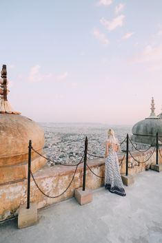 Today I am sharing some of my favorite photos of our trip to India! Travel Pictures, Travel Photos, Travel Outfit Summer Airport, Cities, Aspyn Ovard, Asia, Diy Décoration, Poses, Travel Alone