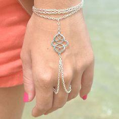price:5usd Bohemian Style Metal Auspicious Hollow Out Chain Bracelets