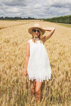 Fields of Gold & Strawberries - Fashion Colony Zoella Outfits, Cute Outfits, Zoella Style, Zoella Beauty, Zoe Sugg, Fields Of Gold, Felder, Celebs, Celebrities