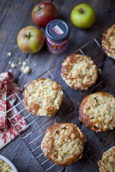 Apple and Cinnamon Crumble Muffins::