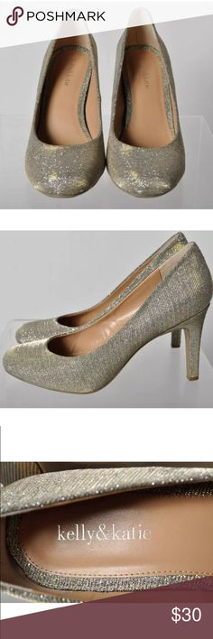 🎈Kelly & Katie Isabella Glitter Pump🎈 Pretty shimmer fabric! Lightly worn. Good condition. Kelly & Katie Shoes Heels