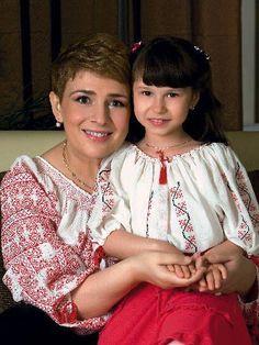Teo Trandafir and her daughter in traditional Romanian blouses Peasant Blouse, Ruffle Blouse, Air Jordan, Folk Costume, Linen Fabric, Daughter, Popular, Traditional, People