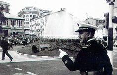 La primera fuente surtidor inagurada en Vitoria con Barrasa jefe de la policía municipal al frente