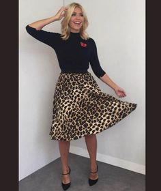 This Morning host Holly Willoughby is known for her figure-hugging pencil skirts and elegant fashion. Take a look at her best outfits from the show. Black Women Fashion, Womens Fashion For Work, Work Fashion, Curvy Fashion, Fashion Outfits, Dress Fashion, Fashion Top, Fashion Jewelry, Fashion Skirts