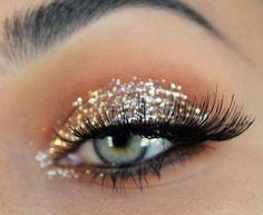 Glitter eye makeup will make your eyes   bold and beautiful Glitter Creamy Glitter Makeup Nº2 Atena - Musa Glitter #EyeMakeupBlue Glitter Eye Makeup, Blue Eye Makeup, Eyeshadow Makeup, Glitter Lips, Eyeshadows, Pageant Makeup, Prom Makeup, Bridal Makeup, Wedding Makeup